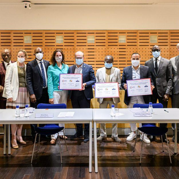 Signature partenariat AFD INSEP CNOSS (cominté olympique sénégalais)